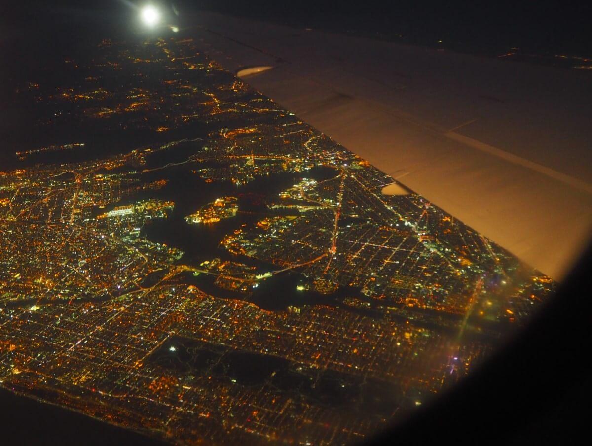 飛行機からのNYの夜景